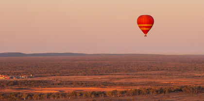 Hot air ballooning in Alice Springs - MC - Tourism Australia Nicholas Kavo